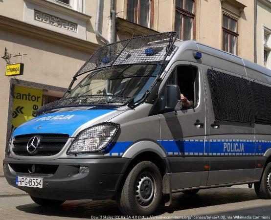 Policja Łomża: Policyjna profilaktyka i pokazy sprzętu służbowego